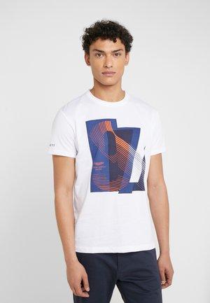 AMR RACING  - Camiseta estampada - white