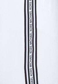 Michael Kors - BLOCKED LOGO  - Shorts - white - 5