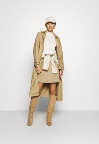 Calvin Klein Jeans - MOCK NECK TEE - Long sleeved top - soft cream - 1