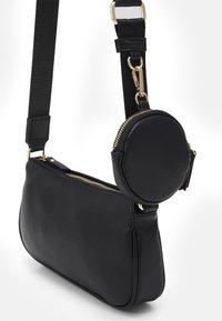 Even&Odd - SET - Across body bag - black - 3