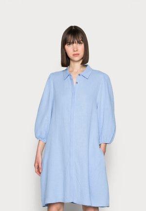 TAIMI - Shirt dress - serenity