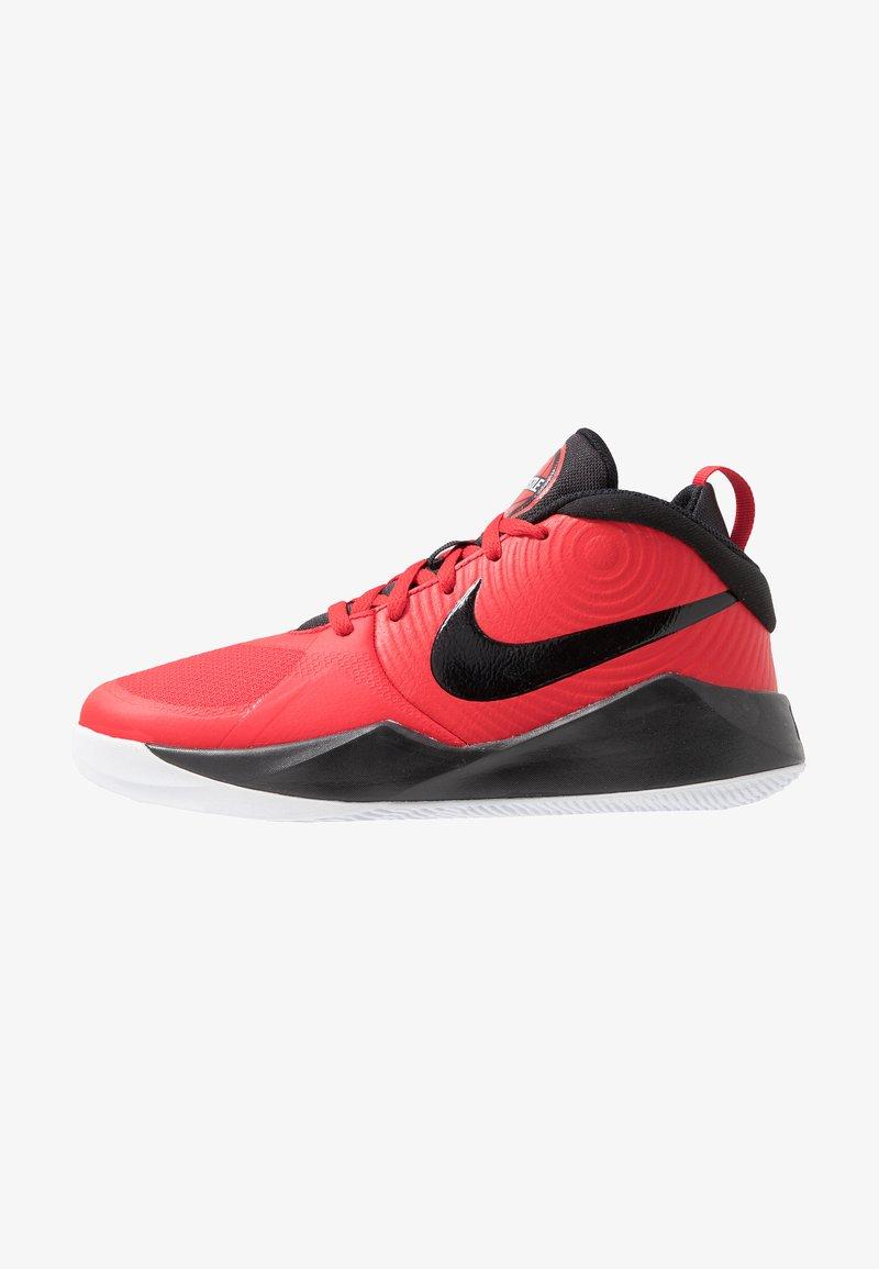 Nike Performance - TEAM HUSTLE D 9 UNISEX - Basketball shoes - university red/black/white