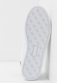 Guess - RANVO - Zapatillas - white - 6