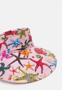 Versace - CAPPELLO BANDANA CON VISIERA - Klobouk - rosa/multicolor - 3