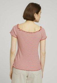 TOM TAILOR DENIM - CARMEN - Print T-shirt - coral white stripe - 2