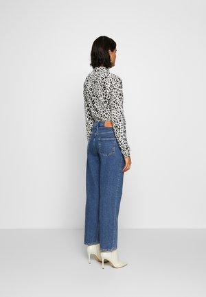SLFKATE AIM - Straight leg jeans - medium blue denim