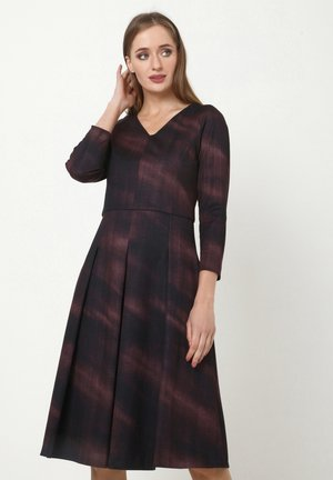 KITSA - Jersey dress - lila schwarz