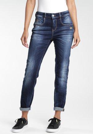 Straight leg jeans - beauty washing