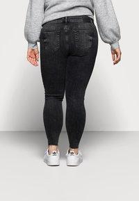 Pieces Curve - PCDELLY - Jeans Skinny Fit - dark grey denim - 2