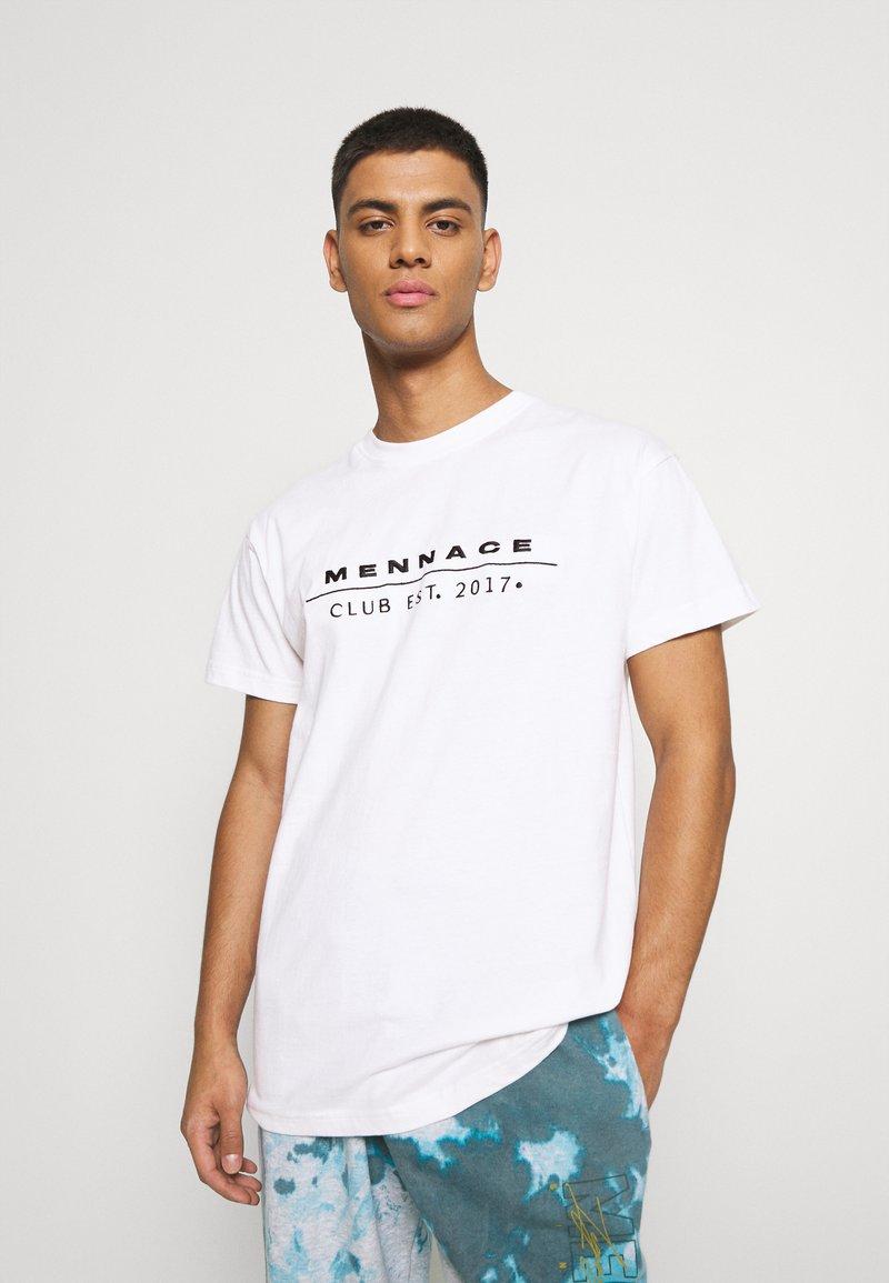 Mennace - CLUB TENNIS COURT UNISEX - Print T-shirt - white