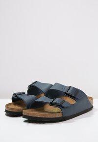 Birkenstock - ARIZONA NARROW FIT - Mules - blau - 2