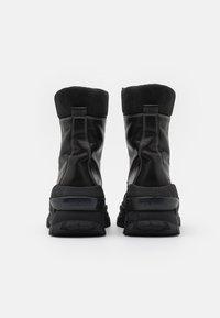 Bronx - CHAINY - Platform ankle boots - black/winter white - 3