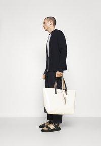 Marni - TRIBECA SHOPPING BAG UNISEX - Shopping bag - cement/coffee/black - 0