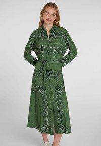 Oui - Shirt dress - green grey - 0