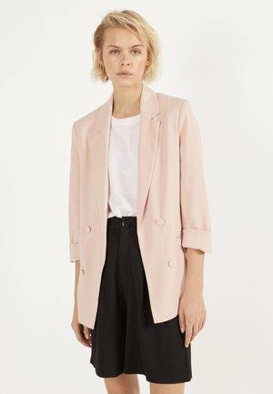 MIT HOCHGEROLLTEN ÄRMELN - Blazer - pink