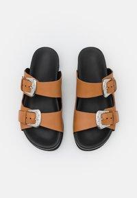 YAS - Pantofle - biscuit/silver - 5