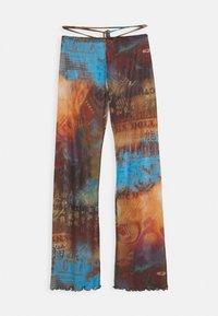 SLIGHT FLARED LEG BEACH TROUSER WITH XL BINDING HEATMAP PRINT - Trousers - brown/ blue/multi