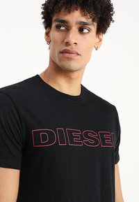 Diesel - UMLT-JAKE T-SHIRT - Camiseta estampada - black - 4