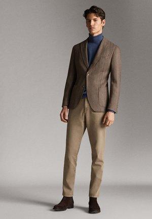 MIT FISCHGRÄTENMUSTER 020 - Blazer jacket - brown