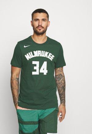 Giannis Antetokounmpo Milwaukee Bucks Nike Dri-FIT NBA-T-Shirt für Herren - Artykuły klubowe - fir