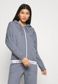 Calvin Klein Underwear - MODERN LOUNGE FULL ZIP HOODIE - veste en sweat zippée - pewter - 0