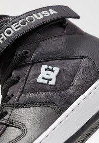 DC Shoes - PENSFORD SE - Skatesko - black/grey/red - 6
