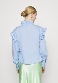 Gina Tricot - DINAH FRILL BLOUSE - Button-down blouse - blue bell - 2
