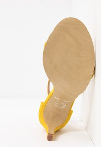 Pavement - AMBER - High heeled sandals - yellow - 6