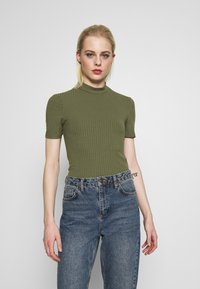 Pieces - PCKYLIE T NECK - T-shirt basic - deep lichen green - 0