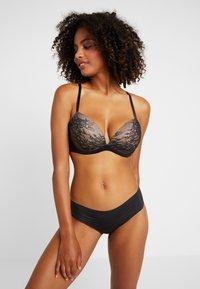 Gossard - GLOSSIES LACE - Push-up bra - black - 1