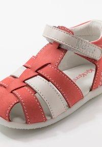 Kickers - BIGFLO - Zapatos de bebé - rose/blanc - 2