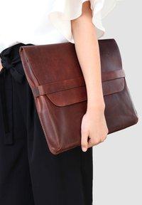 SID & VAIN - LAPTOP-HÜLLE - HARVORD - Laptop bag - braun - 0