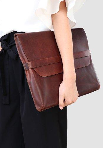LAPTOP-HÜLLE - HARVORD - Laptop bag - braun