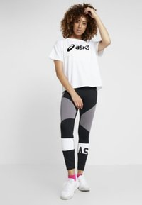 ASICS - COLOR BLOCK CROPPED  - Leggings - black/antracithe - 1