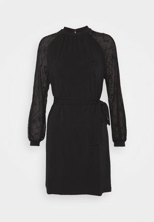 VMALBERTA DRESS - Jerseykleid - black