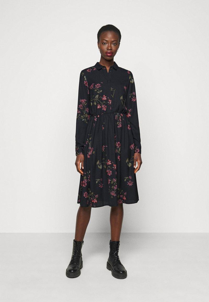 Vero Moda Tall - VMGALLIE DRESS  - Shirt dress - black