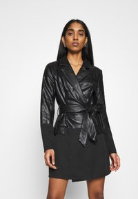 Missguided - BELTED BLAZER DRESS - Sukienka letnia - black - 0