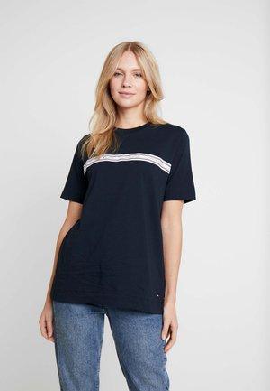 RAVEN - T-shirts med print - desert sky