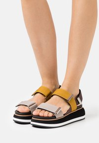 Gioseppo - Platform sandals - amarillo - 0