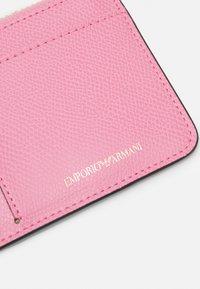 Emporio Armani - CREDIT CARD HOLDER - Peněženka - camelia/vinaccia/grape marc - 5