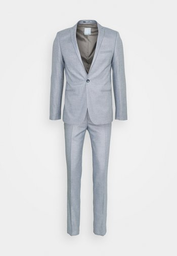 POUL SLIM SUIT