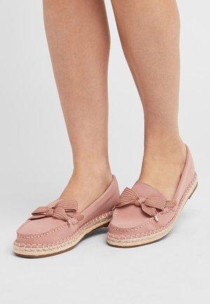 NATURAL  - Boat shoes - pink