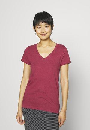 Jednoduché triko - red clay