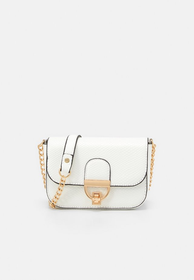 LAUREN LIZARD CHAIN SHOULDER - Across body bag - white