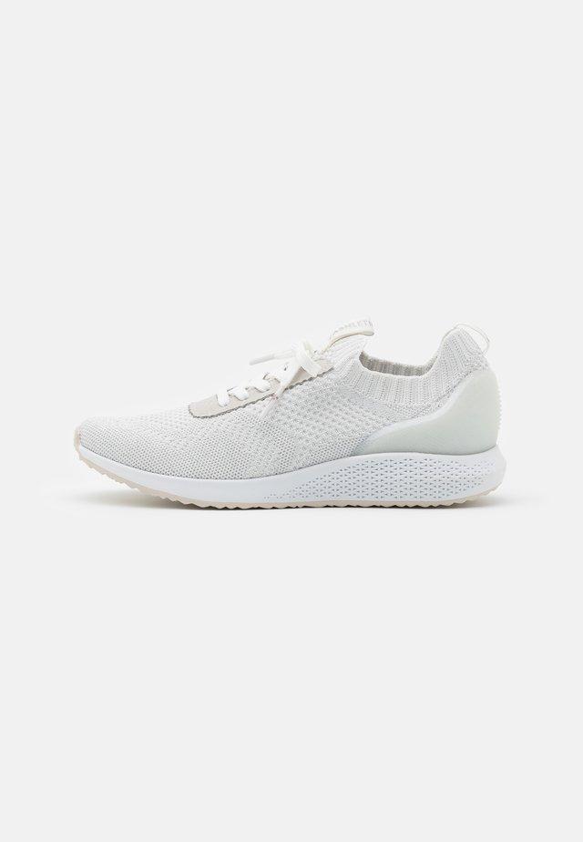 Sneakersy niskie - silver/grey