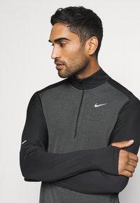 Nike Performance - Funktionsshirt - dark smoke grey/black/silver - 3