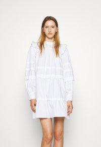 Bruuns Bazaar - ROSIE GENEVA DRESS - Robe d'été - white - 0
