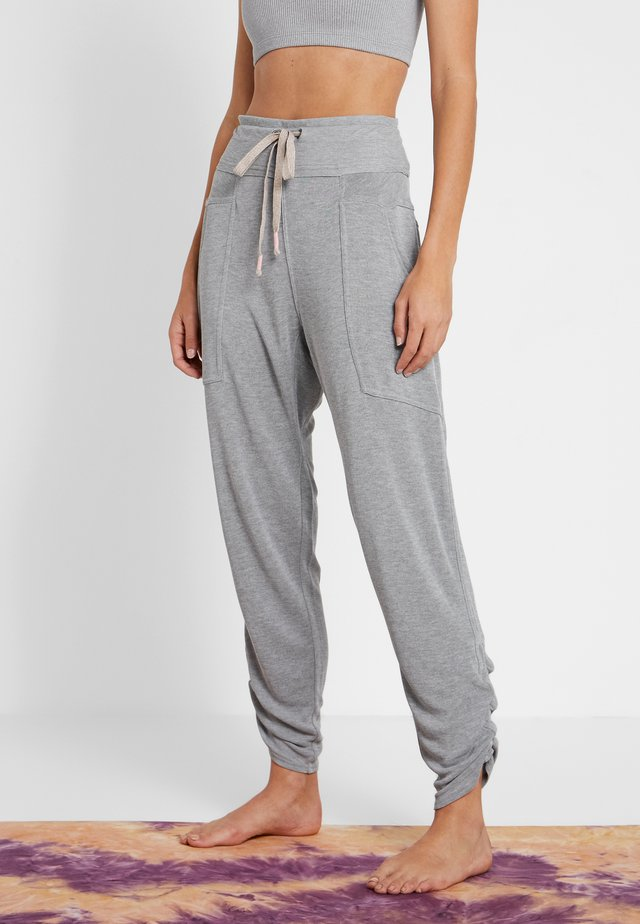 FP MOVEMENT READY TO GO PANT - Pantaloni sportivi - grey