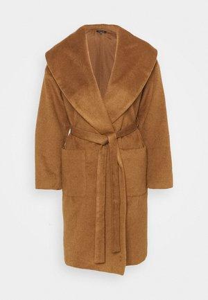 ROBE COAT - Zimní kabát - dark camel