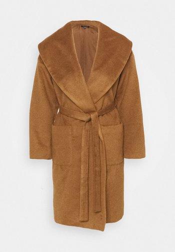 ROBE COAT - Klasyczny płaszcz - dark camel